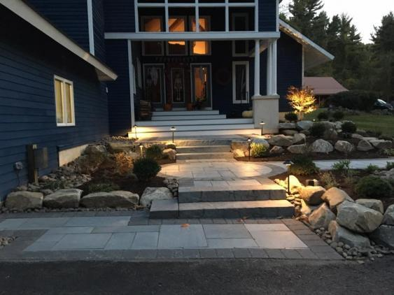 This Spring City installation uses Techo bloc rocka steps and Aberdeen slab pavers with a soldier border.