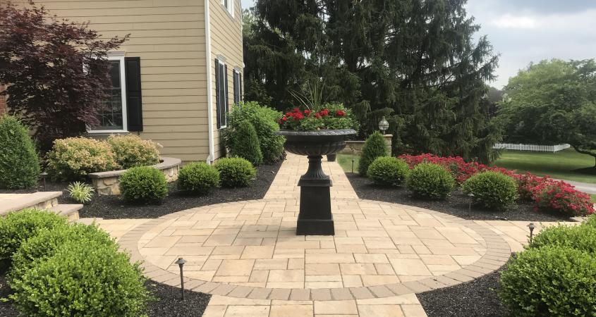 Circular walkway in Malvern, PA with fountain