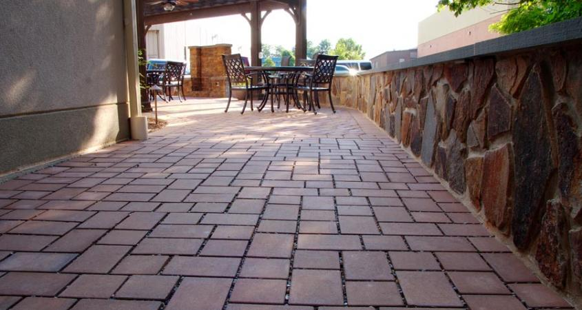 Patio pavers and stone veneer wall in Pottstown, PA