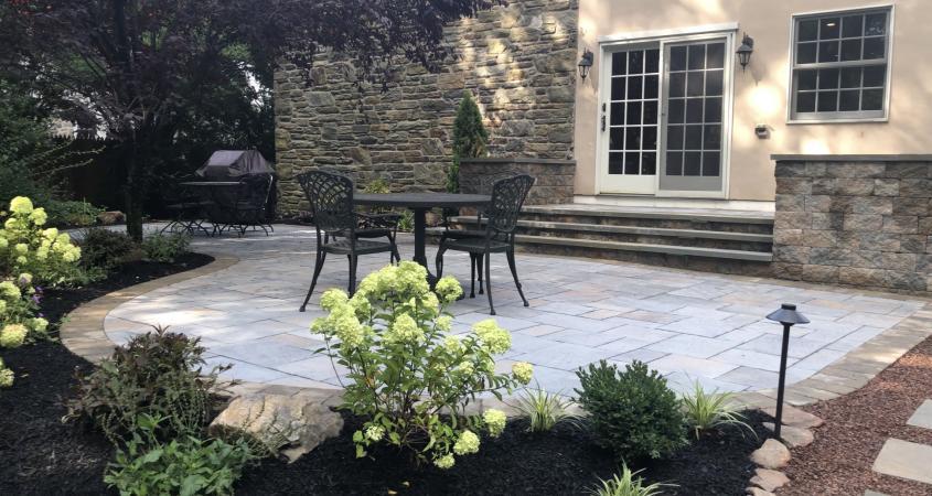 Bryn Mawr paver patio