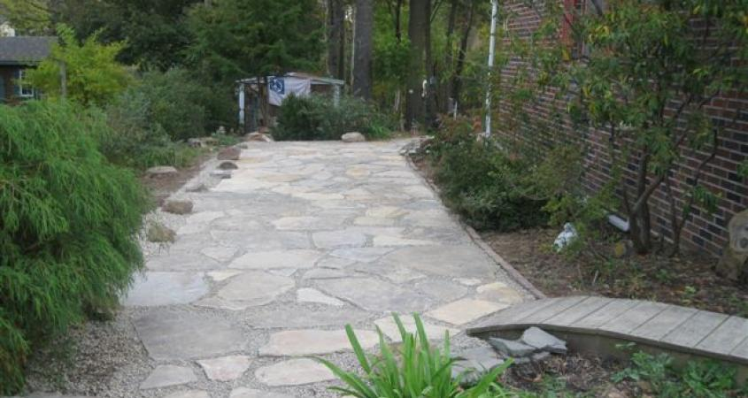 This dry-laid Boyertown, Pa flagstone walkway provides a wide, easy-care route.