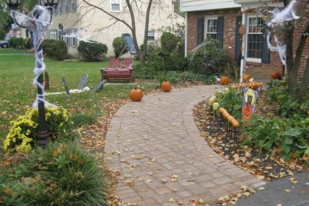 This new curved paver walkway in Wayne, Pa. is a welcoming path to the front door.